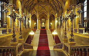 Visitare i musei di budapest for Sito parlamento italiano