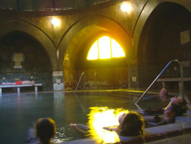 Baño Turco Traduccion:Baños termales en Budapest